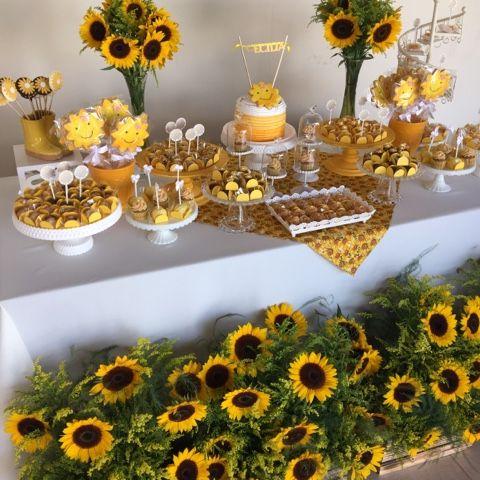 Festas Personalizadas em Brasília: Chá de Bebê amarelo Girassol