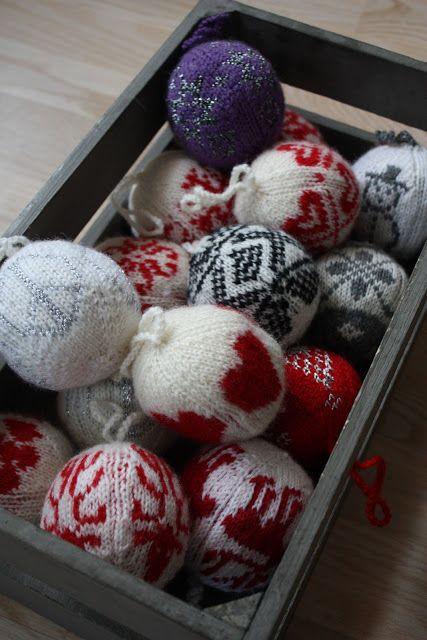 pantonejane.blogspot.com Knitted julekuler. Arne & Carlos pattern