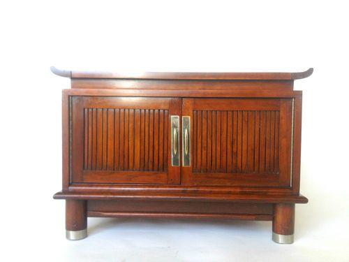 Best Willett Furniture Cherry Trans East Nightstand On Ebay 400 x 300