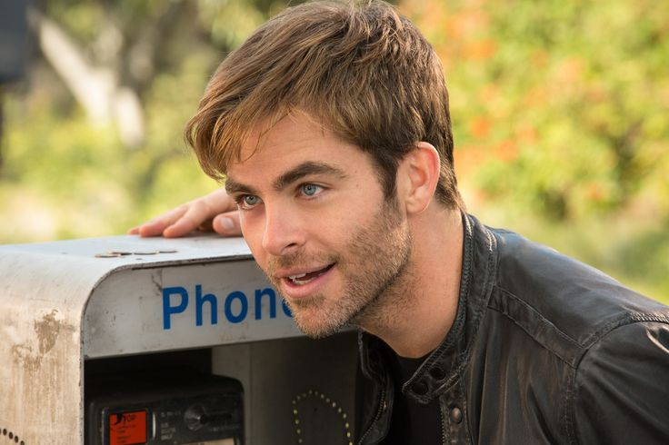 Chris Pine in #KillTheBoss2