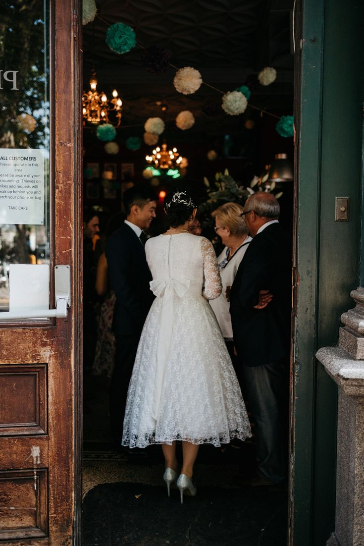 intimate wedding venues south england%0A A      u    s Vintage Lace Gown for an Intimate and Quirky London Pub Wedding