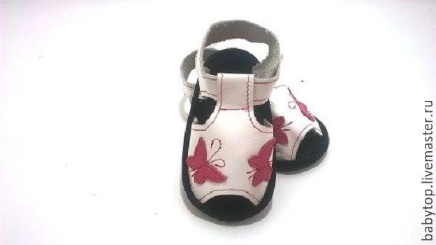 """Купить Детские сандалики """"Бабочки"""" (от0-3лет) ,кожаная обувь,обувь для дома - черный цвет"""