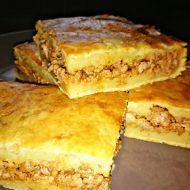 Slaný bramborový koláč plněný mletým masem recept - Vareni.cz
