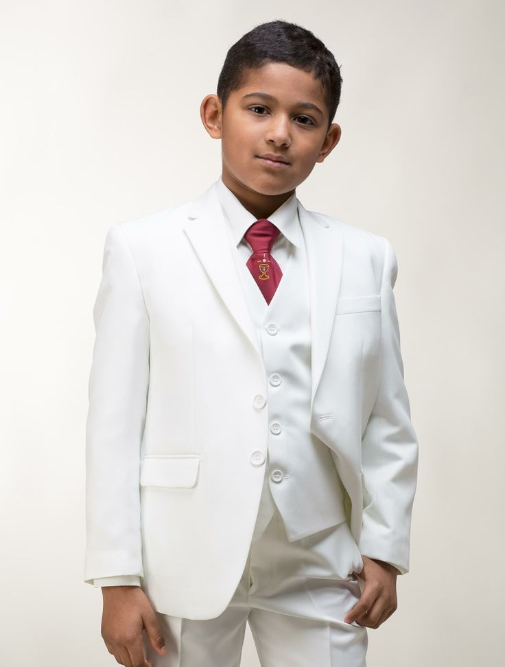Normally, I HATE white. However, this is pretty sharp, especially for a first communion outfit! <3