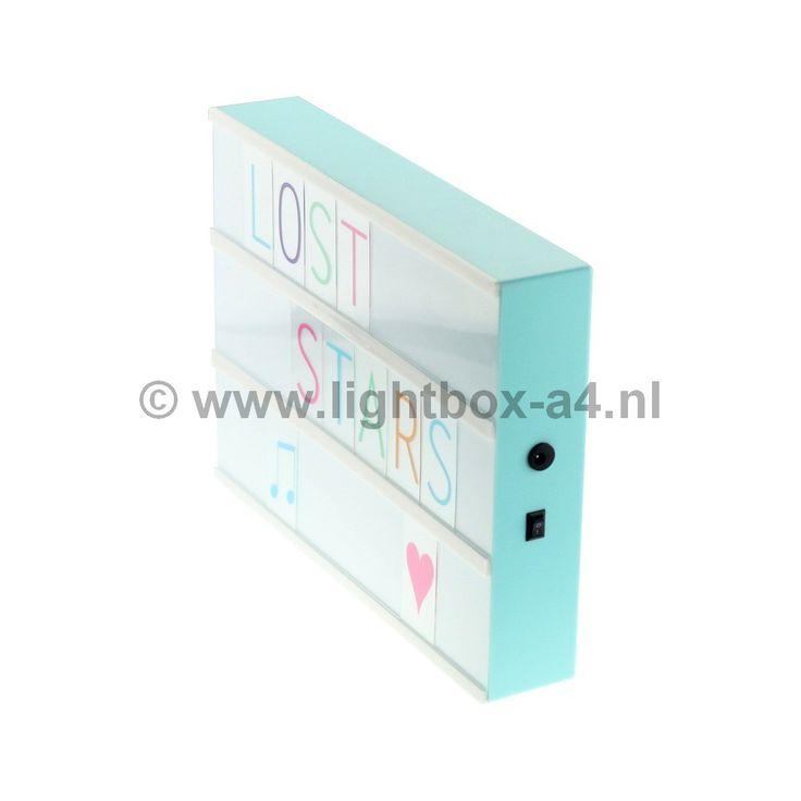 Lightbox A4 baby blauw inclusief 85 letters goedkoop online kopen doe je gemakkelijk en snel in onze webshop voor € 35,95! Nergens goedkoper verkrijgbaar!