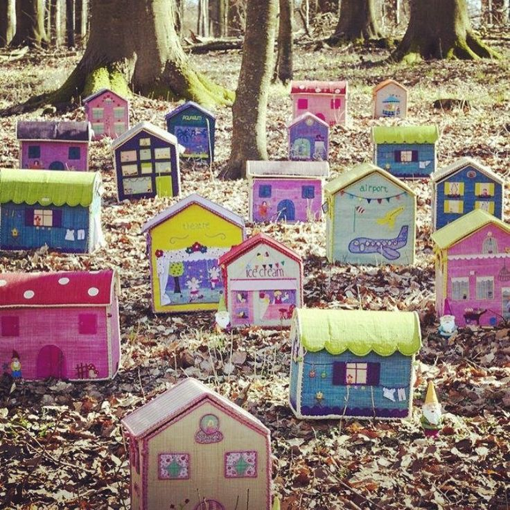17 best images about little houses on pinterest wooden houses dollhouses and house - Kinderkamer coloree ...
