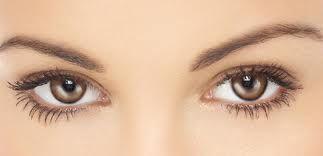 Las cejas pueden realzar o distorcionar tu mirada significativamente y todos los artistas de maquillaje y expertos lo aseguran!. Puedes hacer que tus ojos se vean caídos cuando no lo están, o que te ves enojad@ cuando, de hecho, no es así. Por eso es esencial la cautela al preparar tus propias cejas.  Confía en Crossway Salon & Spa y en sus profesionales de Estética para crear el balance perfecto de tu imágen.  Llama YA al 787.879.2901 para citas.