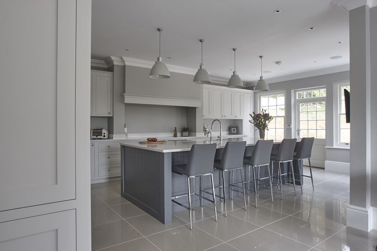 Beautiful hand painted kitchen, seating on the island, kitchen dinner, Shaker kitchen,