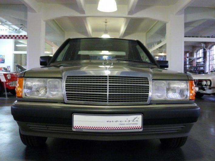 1990 Mercedes-Benz, 190E  Ein Besitzer – 121.000 lückenlos gewartete und vollständig dokumentierte Kilometer.Seit 2003 in einer trockenen Garage aufbewahrt und nur gelegentlich für Bewegungsfahrten genutzt.Dieser Baby-Benz ist rost- und nachlackierungsfrei, sieht nicht nur aus wie ein Jahreswagen, sondern fährt auch so.Der Innenraum ist in allen Details makellos.Zu allen Einträgen im Scheckheft gib ..  http://www.collectioncar.com/detailed.php?ad=61884&category_id=1
