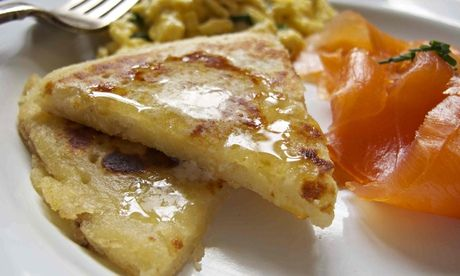 How to cook the perfect tattie scones. Scottish full breakfasts are the best thing ever.