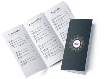 Menukaart Luxery Menu design layout dark blue   Een luxe menukaart met een aansprekend design. Klassiek, luxe, elegant; deze menukaart heeft het allemaal. De sierlijke, gouden versieringen in combinatie met het lettertype zorgen voor een aansprekend menukaart ontwerp. Maak de sfeer in uw restaurant met deze menukaart helemaal compleet!