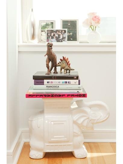 i just love dinos.Decor, Bloggers France, Ceramics Elephant, Living Room, Elephant Stools, White Elephant, Apartments Dreams, Thanksfrancess Ceramics, Stools Bedrooms Inspiration