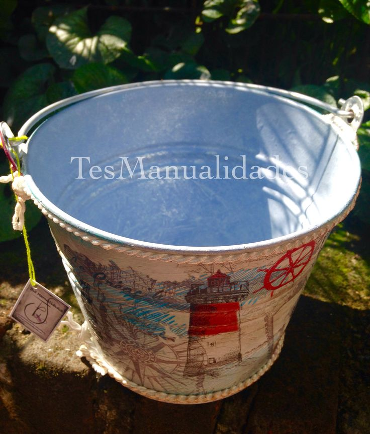 Decorated bucket by Tes Manualidades
