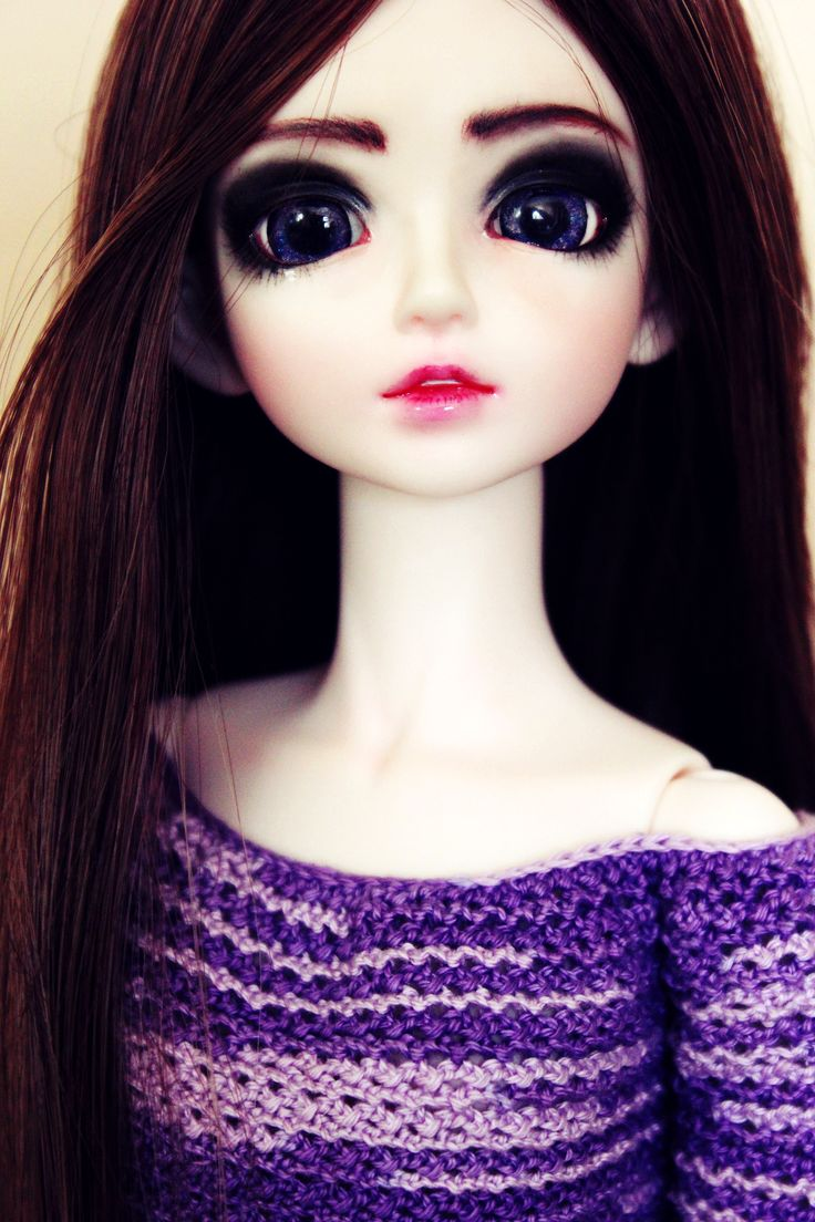 My beautifull doll with her new galaxy eyes. She' adorable. :)