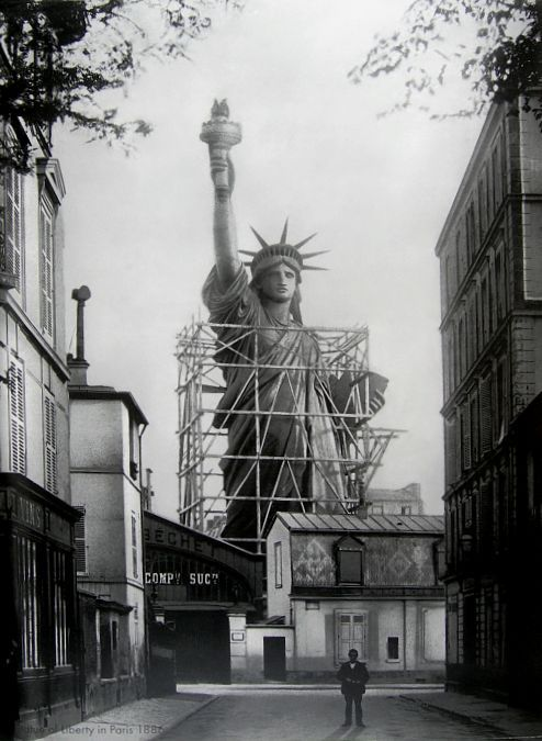the statue of liberty in paris, 1886: