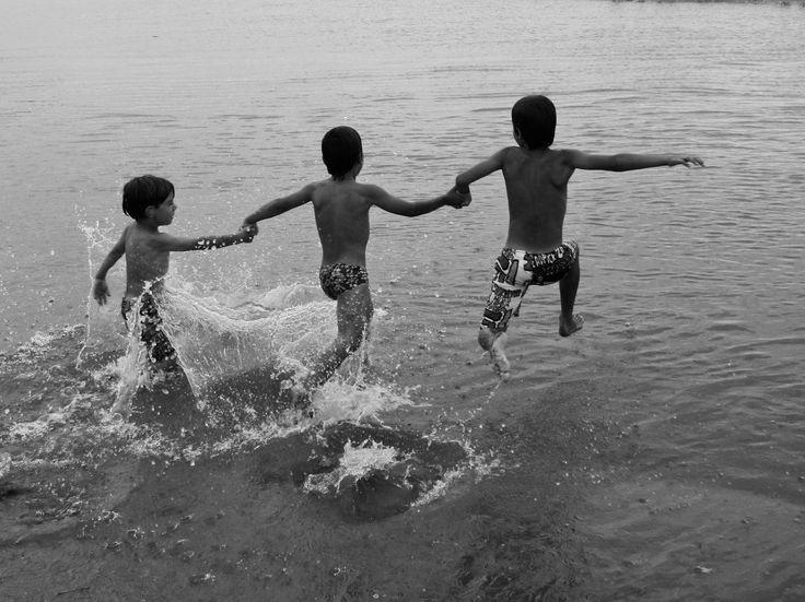 Splash beach by Oriol Lloret on 500px