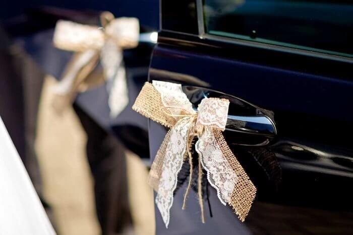 Auto beugt Vintage   – Autoschmuck zur Hochzeit