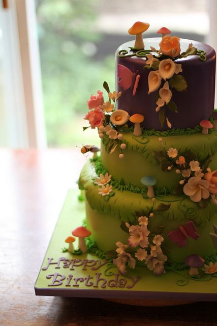 Woodland Fairy Cake.. flowers are lovely