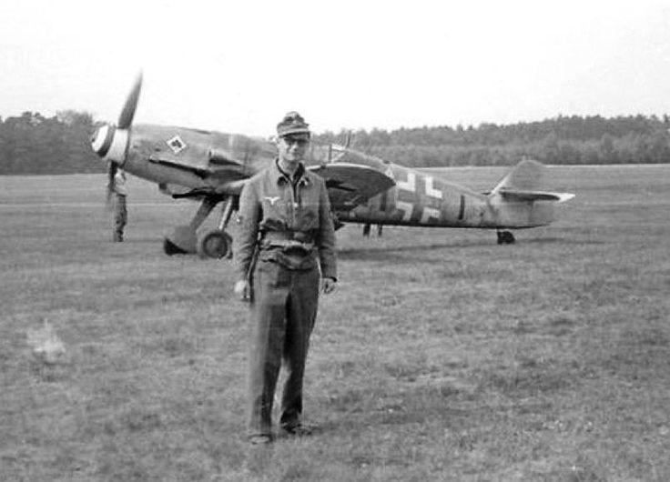 Messerschmitt Bf 109 G-6 black 11 Unteroffizier Heinz Girnth, 8./JG 53 . Bad Lippspringe, July ...