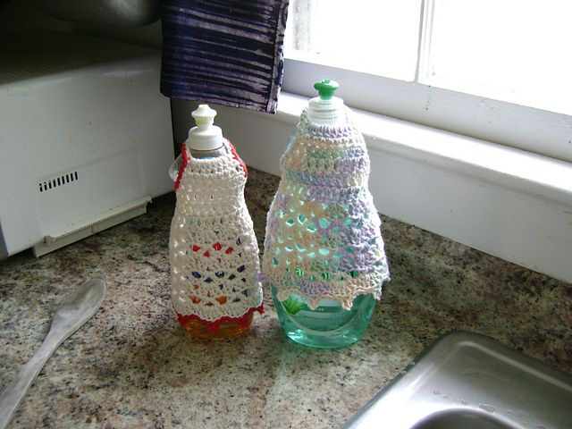 17 Best images about Crochet Kitchen -- Dish Bottle Aprons ...