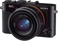 Sony Cyber-shotDSC-RX1R http://www.chip.de/artikel/Sony-Cyber-shot_DSC-RX1R-Luxus-Digitalkamera-Test_64656240.html all: http://www.chip.de/bestenlisten/Bestenliste-Luxus-Digitalkameras--index/index/id/1098/
