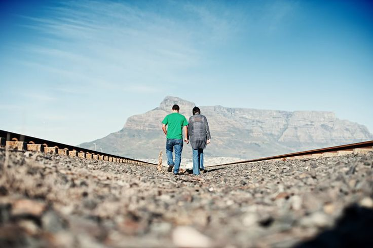 Edré and Riaan, Milnerton Market, Cape Town – engagement shoot – Antonia Heil | photographer + journalist | Cape Town, South Africa // Berlin, Germany