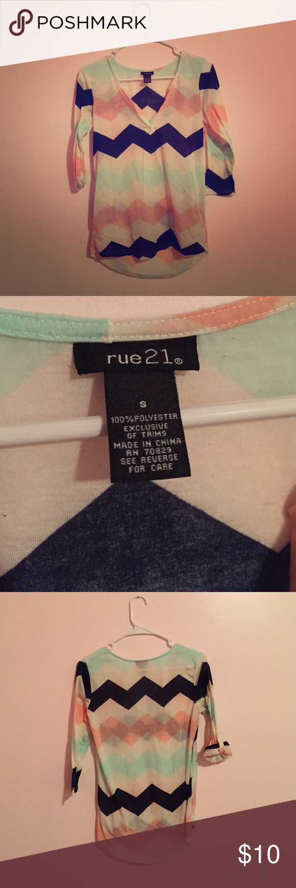 Rue 21 Chevron Top Size small, slightly worn, sleeves can be buttoned up or left down Rue21 Tops Blouses