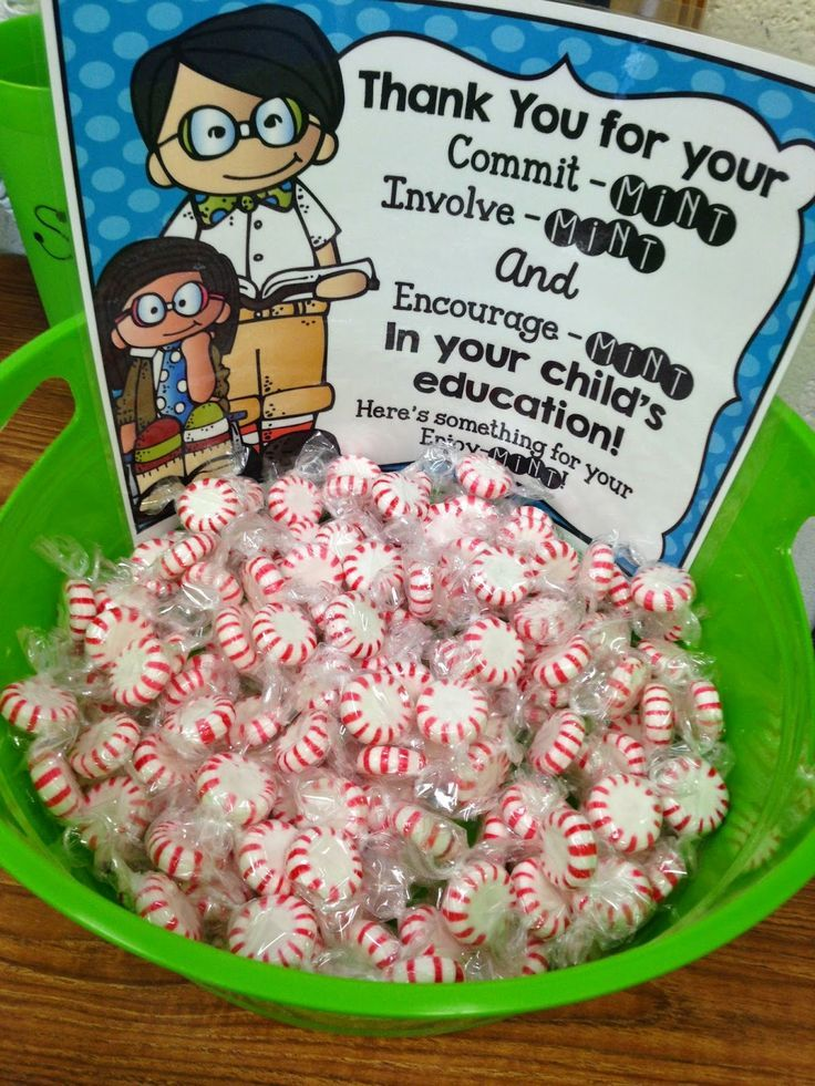 This would be such a cute mint idea for any event in which your parents will be there. You could have it sitting outside your classroom during conferences or by the door at Open House night.