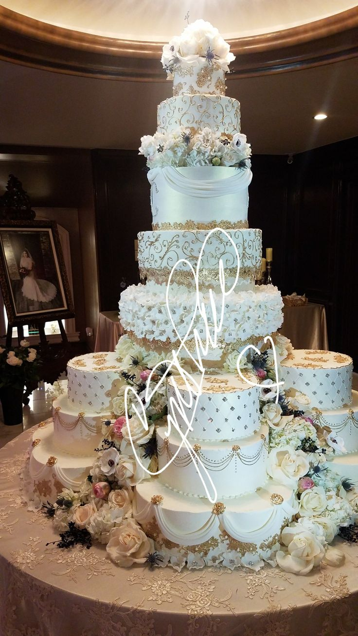 luxury wedding cakes 37 best luxury wedding cakes images on cake 16965