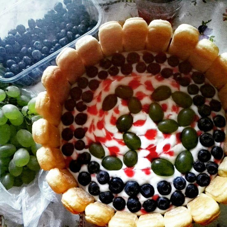 yoghurtcake with fruits 2016. july
