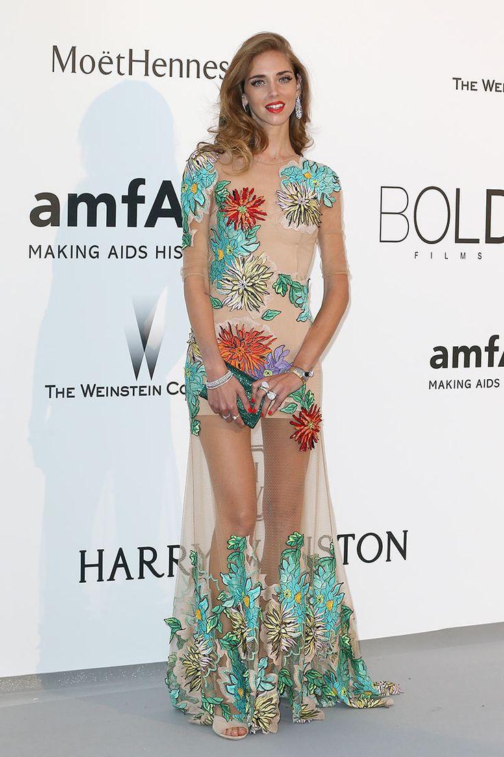 Nuestras favoritas de la Gala amfAr de ayer en #Cannes: Chiara Ferragni, muy primaveral y sensual vestida de Blumarine con transparencias y bordados florales.