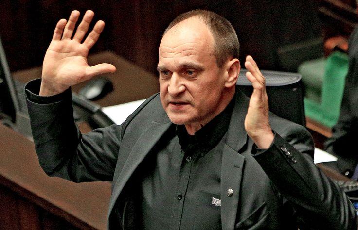 Po raz kolejny okazuje się, że rację miał poseł Adam Andruszkiewicz, który po swoim odejściu z klubu Kukiz'15 mówił, że ugrupowanie to przesuwa się w stronę totalnej opozycji. Ekipa Pawła Kukiza, która szła do wyborów ze sztandarami walki z systemem III RP raz po raz atakuj