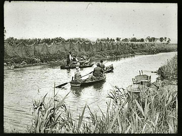 1930. A Kis-Balatonon.