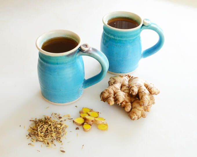 This homemade Ginger Licorice Tea herbal remedy is sweet and spicy, and the perfect treatment for colds and sore throats. :: via elana's pantry Homemade Ginger Tea, Licorice Root Tea, Dandelion Coffee, Root Recipe, Ginger Slice, Fresh Ginger, Baby Fruit, Ayurvedic Recipes, Tea Recipes