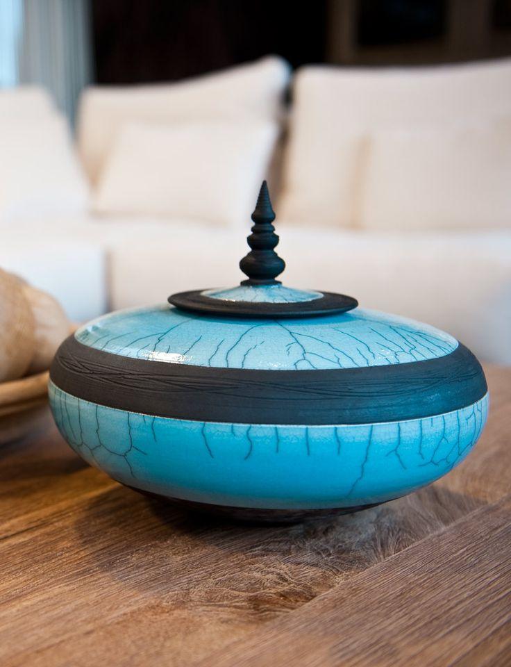 Handgemaakte keramieken schaal - Raku kunstwerk - Multiple colours - Handmade work of art - Raku pottery - #woontheater