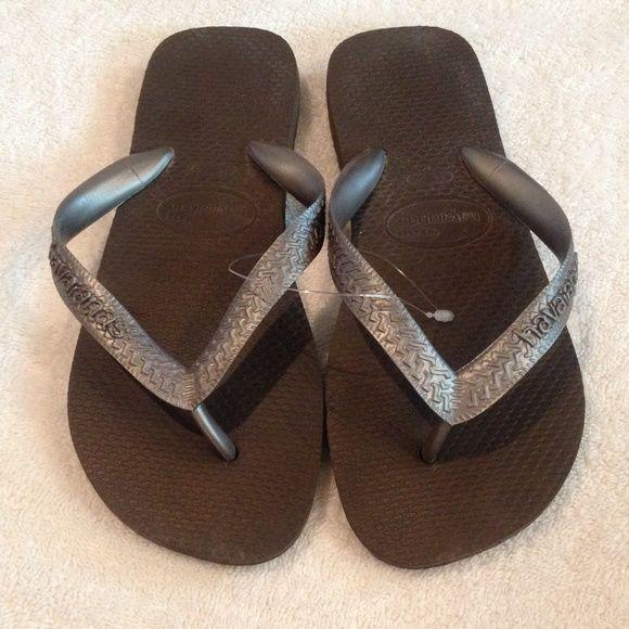 Havaianas - USA Size 4/5 Brand New! ☀️ Havaianas - USA Size 4/5 Brand New! ☀️ Price of One pair, willing to bundle! Havaianas Shoes