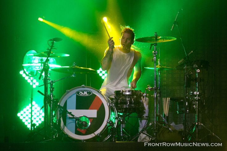 twenty one pilots Chicago 2014 Aragon Ballroom - Front Row Music News