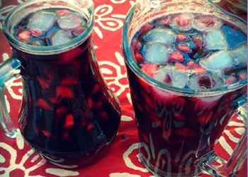 Borgoña: red wine, sugar, strawberries trago chileno