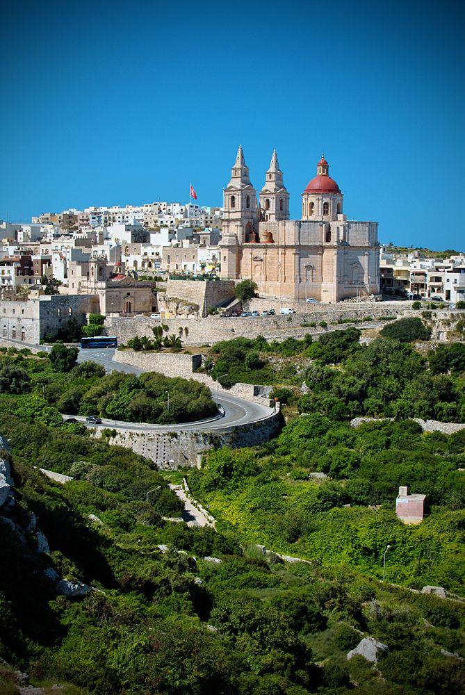 Mellieha, Malta / Mellieħa es uno de los sesenta y ocho consejos locales que conforman la actual organización territorial de la República de Malta, la cual entró en vigencia en el año 1993