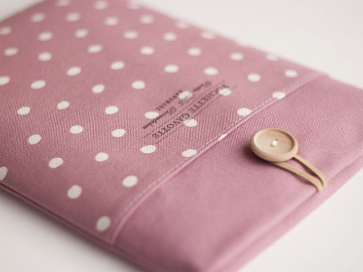 "13 inch Macbook Pro Retina Air case 13"" Custom Laptop Laptop sleeve / Polka Dot Dusty Pale Pink (3850.00 JPY) by PochetteGavotte"