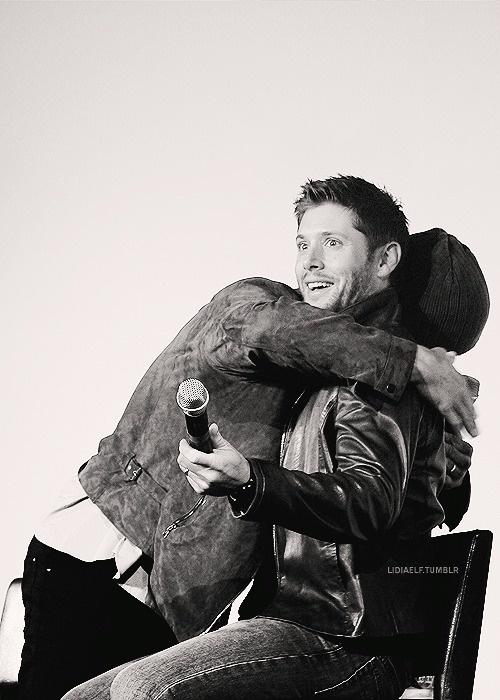 Jared & Jensen --- haha! Jensen's face!