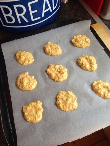 Vicki-Kitchen: Oat Cookies (slimming world friendly)