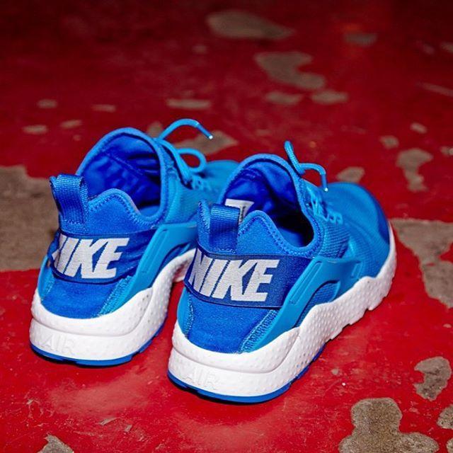 Nike Air Huarache, Converse Heels, Sneaker, Jd Sports, Uggs, Reebok,  Jordans, Adidas, Flats