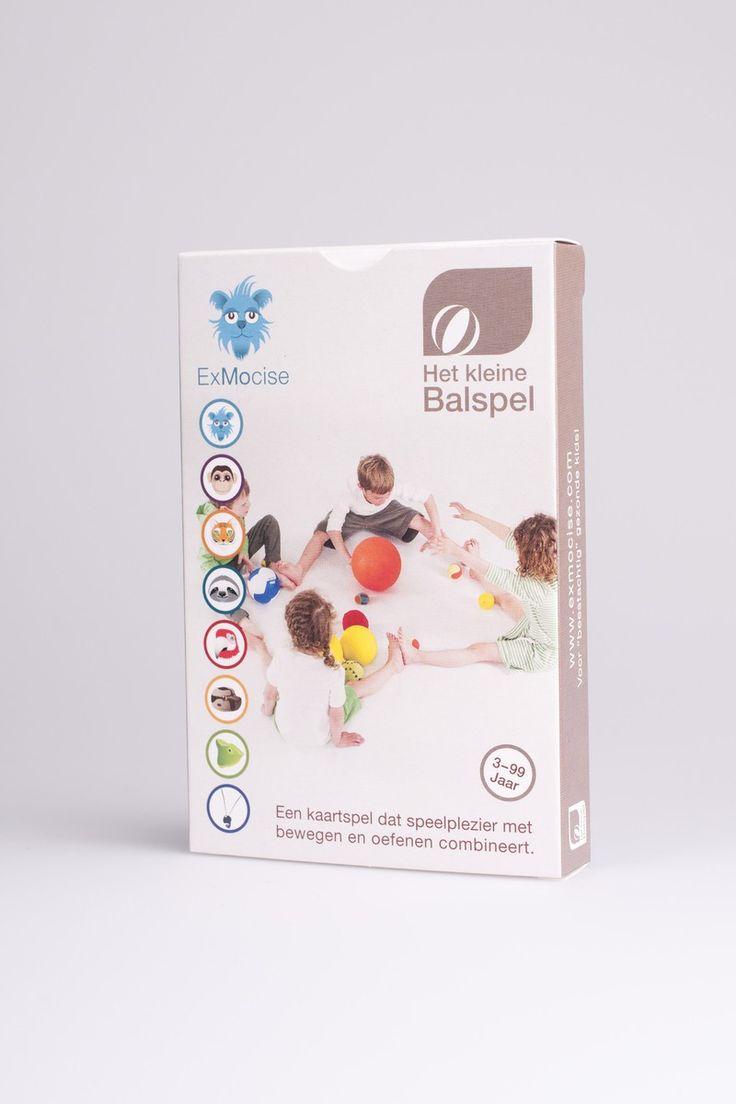 Het kleine balspel 3+ - Het kleine ademspel is balgymnastiek in een doosje! Gericht op de eerste bal ervaringen, beweeglijkheid met een bal en balcontrole. Op 32 speelkaarten tonen 8 dieren telkens 4 oefeningen. In de spelhandleiding worden verschillende spelvarianten uitgelegd die zowel individueel als in groep te gebruiken zijn. Het spel kent 4 moeilijkheidsgraden. ExMocise is door deskundigen ontwikkeld en door artsen aanbevolen. De gezonde actie-kaartspellen bieden therapeuten, ...