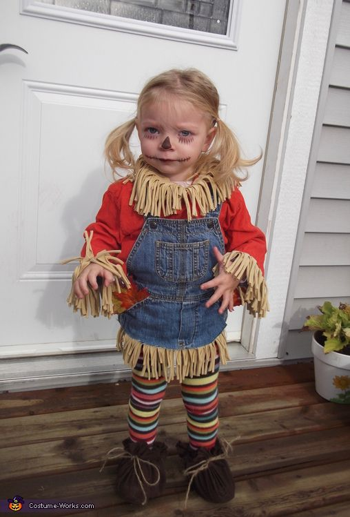 Lil' Scarecrow - DIY Halloween Costume