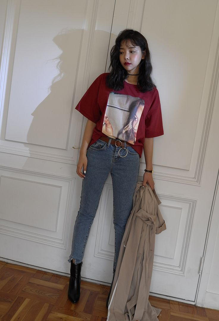 Woman Graphic Print T-Shirt | STYLENANDA ( 24 $ )