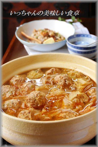 白菜ともやしの餅いり豚つくね食べるラー油鍋 by エリオットゆかりさん ...