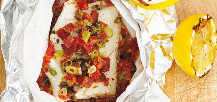 Papillotes de poisson blanc et saucisse chorizo Recettes | Ricardo