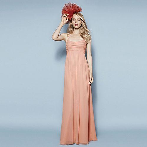 ブライズメイド・クリンクルシフォン・ホルターフロアレングスドレス。サンセットに映えるコーラルピンクのブライズメイドドレス。 #Bridesmaid #Dress #Pink #Wedding
