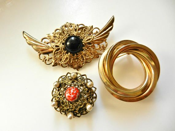 Adorable trio of Vintage European brooches   Grouping pins